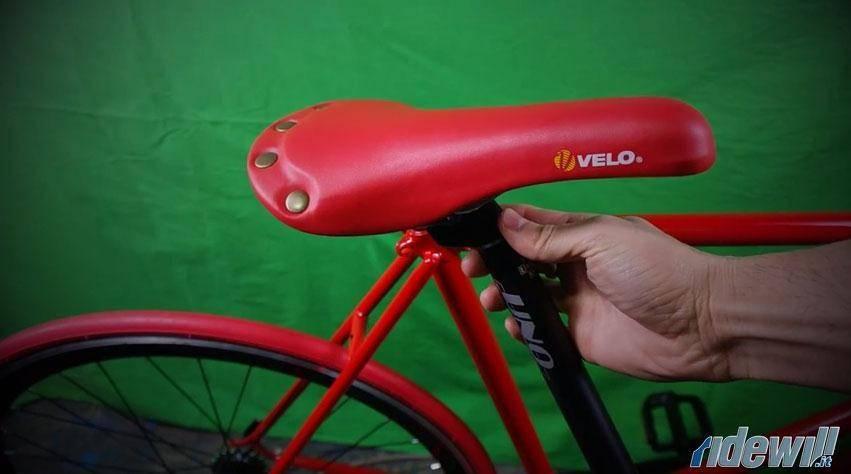 Come creare una bici 5. Sellino e cannotto sella