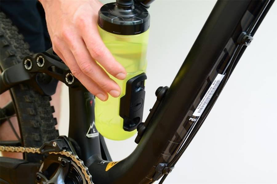 Fidlock Bottle Twist: secure, cageless and magnetic
