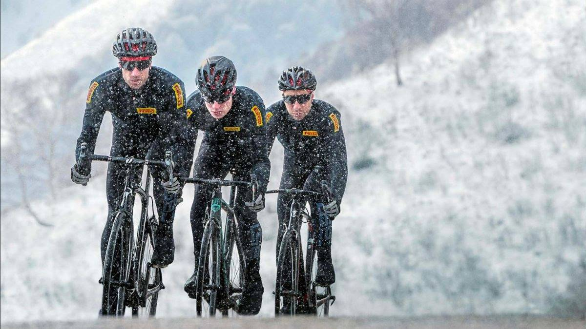 Face the winter safely with Pirelli Velo TM 4 Seasons!