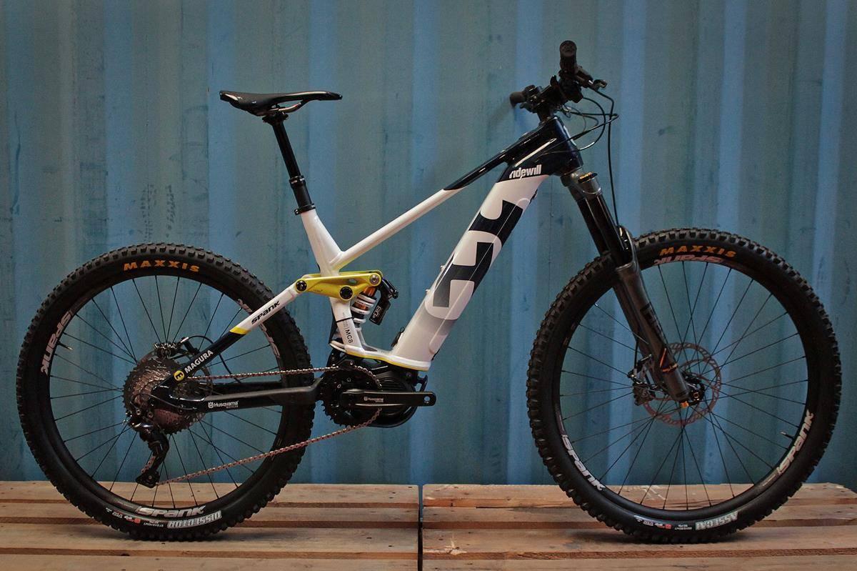 [Bike Check] La nuova Mountain Cross 8 del Team Husqvarna Ridewill Factory
